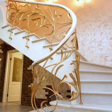 Бетонная лестница с эксклюзивным кованым ограждением, г. Одинцово