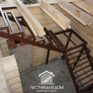 Трехмаршевая лестница из металлического профиля г. Орехово-Зуево