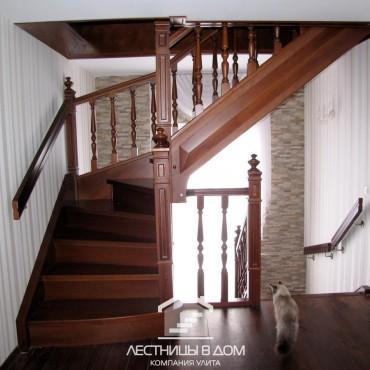 Классические лестницы в частном доме с балюстрадой, г. Орехово-Зуево